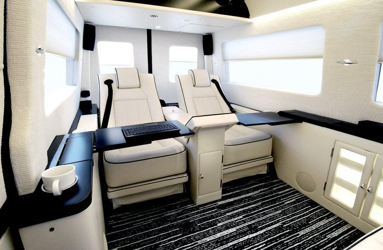 Becker 39 s jetvan mercedes sprinter firmowy bus nowy jork for Mercedes benz sprinter jetvan