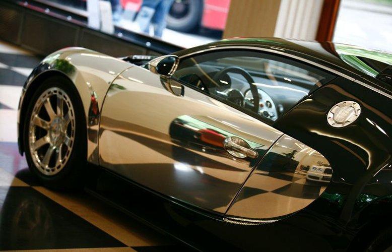 pierwsze bugatti veyron centenaire trafi o do. Black Bedroom Furniture Sets. Home Design Ideas