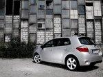 Rynek używanych samochodów hybrydowych w Polsce - poradnik kupującego