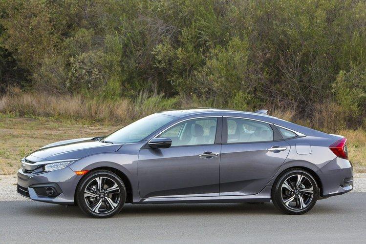 Honda Civic X Z Doładowanymi Silnikami Benzynowymi
