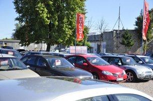 http://m.autokult.pl/komis-samochodowy-235453-dc90f5e,305,0,0,0.jpg