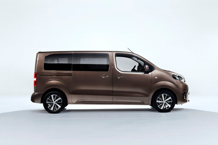 toyota proace 2016 premiera. Black Bedroom Furniture Sets. Home Design Ideas