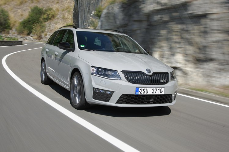 new-skoda-octavia-rs-iii-62087e0,910,500