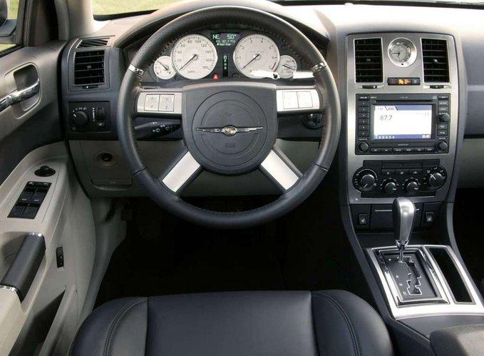 Chrysler C Wnetrze E