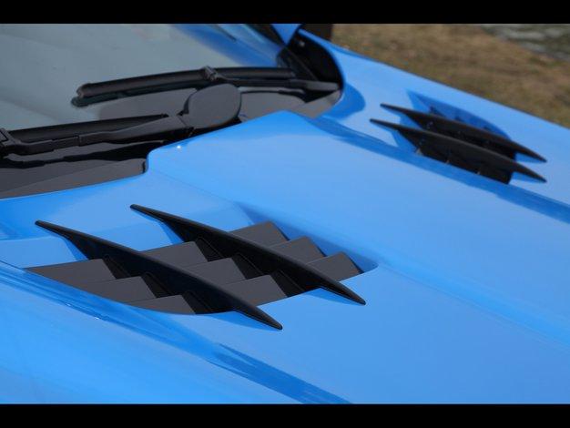 Niebieski Mercedes C  Czarne Felgi