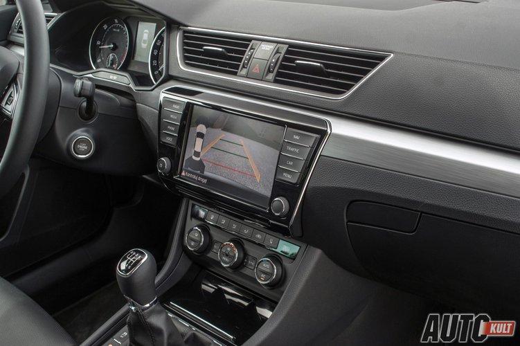 nowa Škoda superb 20 tdi 2015 test opinia spalanie