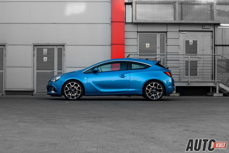 nowy opel astra opc gtc 2014 test. Black Bedroom Furniture Sets. Home Design Ideas