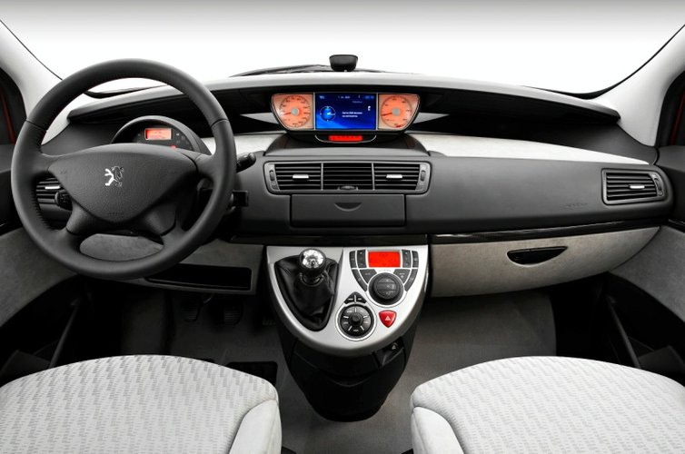 Peugeot 807 z drugiej r ki for Interieur 807