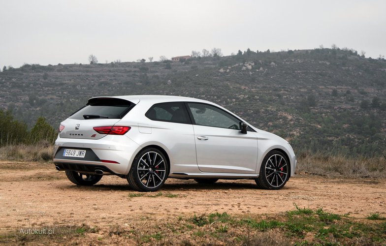 seat leon cupra 300 2017 test. Black Bedroom Furniture Sets. Home Design Ideas
