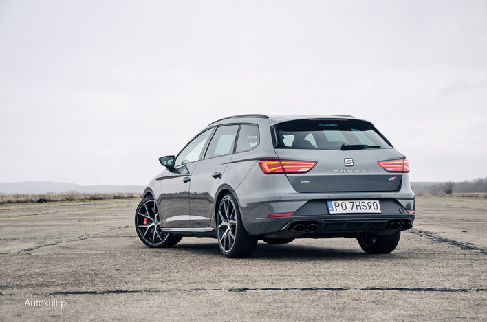 seat leon st cupra 370 carbon 2018 test opinia. Black Bedroom Furniture Sets. Home Design Ideas